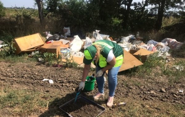 Участие сотрудников филиала ЦЛАТИ по Краснодарскому краю в государственном экологическом контроле почв под свалками МО г. Краснодар.